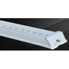 REGLETA LED 18W BASE PLASTICO 4 PIES 1.20 MTS COLOR BLANCO FRIO TLRG01